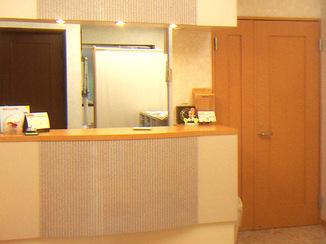 内装リフォーム 明るく清潔感のある待合室へ改装