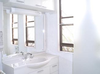 洗面リフォーム ホテルの様な高級感溢れるレストルーム