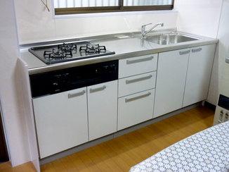 キッチンリフォーム 使い慣れたキッチンの仕様はそのままに新しく明るいキッチンへ