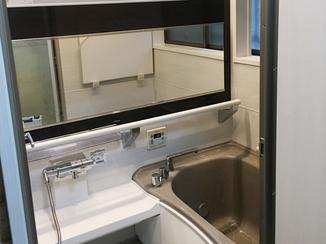 バスルームリフォーム 1分で床面を温める「床夏シャワー」で快適バスルーム