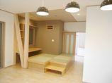 キッチンリフォーム灯り取り窓を各所に設け、明るくオシャレな住居空間に